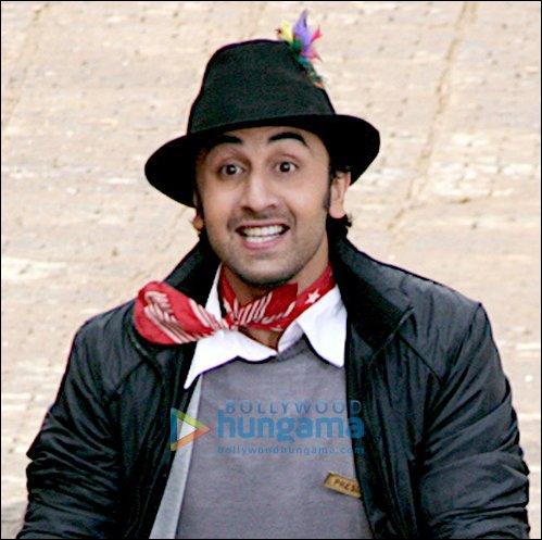 http://i.indiafm.com/img/feature/09/oct/ranbirk7.jpg