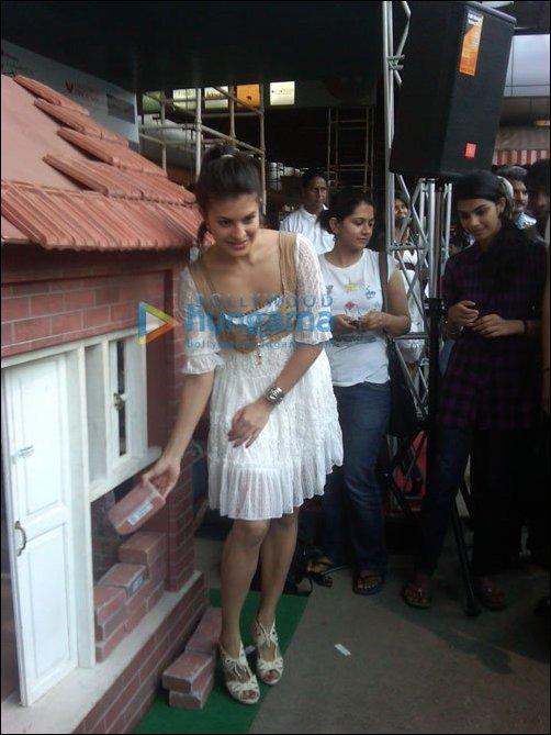 Jacqueline Fernandez appeals to support Habitat for Humanity