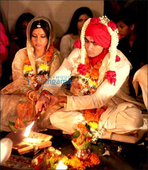 Check Out: Ranvir Shorey and Konkona Sen's wedding pictures