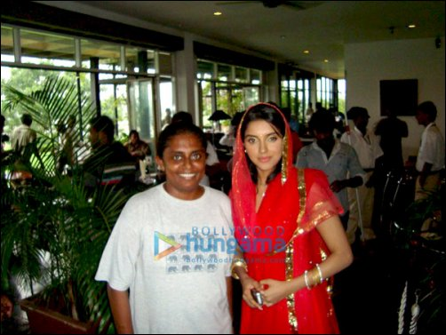 Check Out: Salman Khan and Asin on sets of Ready