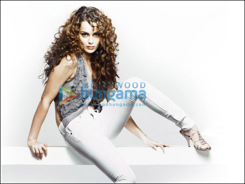 Kangna Ranaut shows 'Vertebrae' in Lawman's new campaign