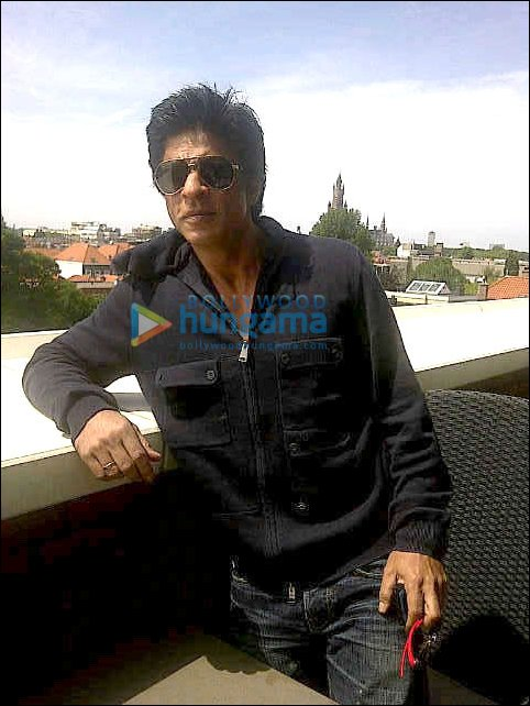 Check out: SRK's pics from his European holiday