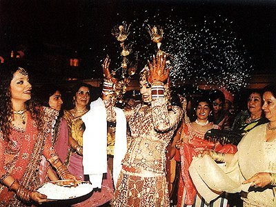 Stills from Raveenas Wedding, Rakhee , Raveena