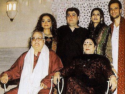 Stills from Raveenas Wedding, Raveena with her family