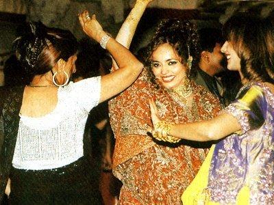 Stills from Raveenas Wedding, Rakhee Tandon