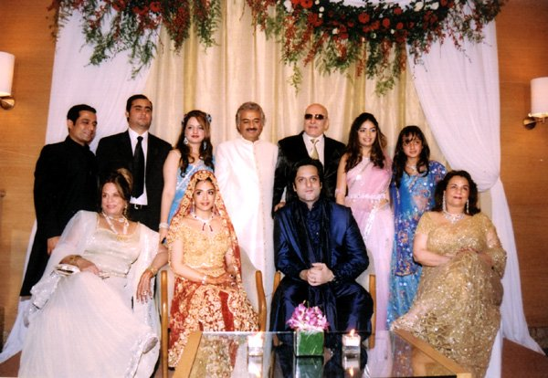Natasha and Fardeen Khan with family membersUrmila Matondkar Family Photo