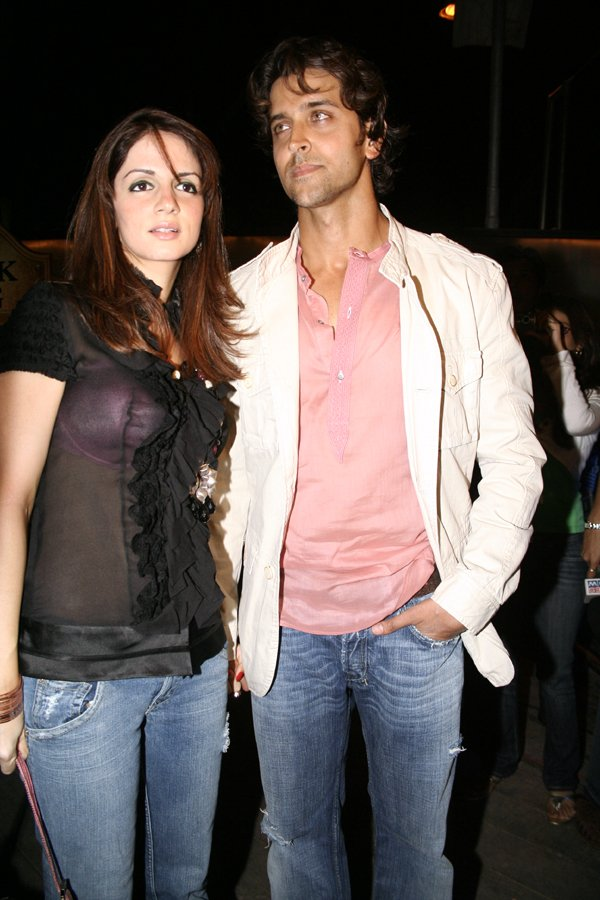 hrithik roshan with wife suzzane
