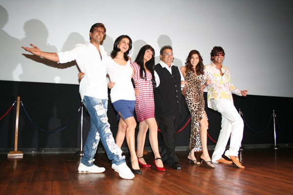 http://i.indiafm.com/memories/07/ghaihello/still3.jpg