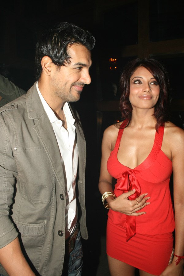 John and Bipasha at the launch of Rocky S Club, John Abraham, Bipasha Basu