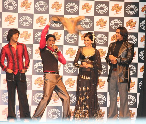 Om Shanti Om fashion show at Grand Hyatt, Shreyas Talpade, Shahrukh Khan, Deepika Padukone, Arjun Rampal