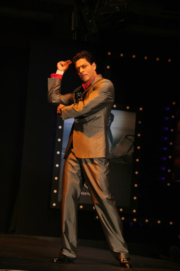 Om Shanti Om fashion show at Grand Hyatt, Shahrukh Khan