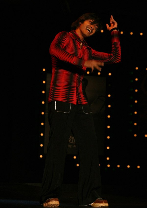 Om Shanti Om fashion show at Grand Hyatt, Shreyas Talpade