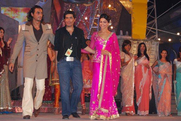 Shah Rukh, Deepika and Hrithik at Lycra MTV Style Awards 2007, Arjun Rampal, Manish Malhotra, Deepika Padukone