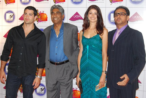 Shah Rukh, Deepika and Hrithik at Lycra MTV Style Awards 2007, Pooja Batra, Gulshan Grover