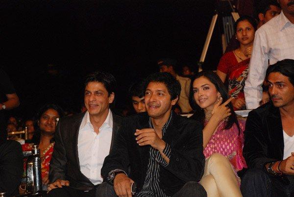 Mumbai Police Diwali Mela Annual Function 2007, Shahrukh Khan, Shreyas Talpade, Deepika Padukone, Arjun Rampal