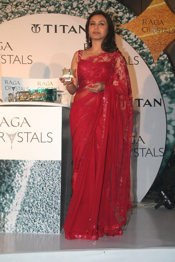 still1 RANI Mukherjee Launchin new Titan Watches In Sizzling Red Saree gallery actresses