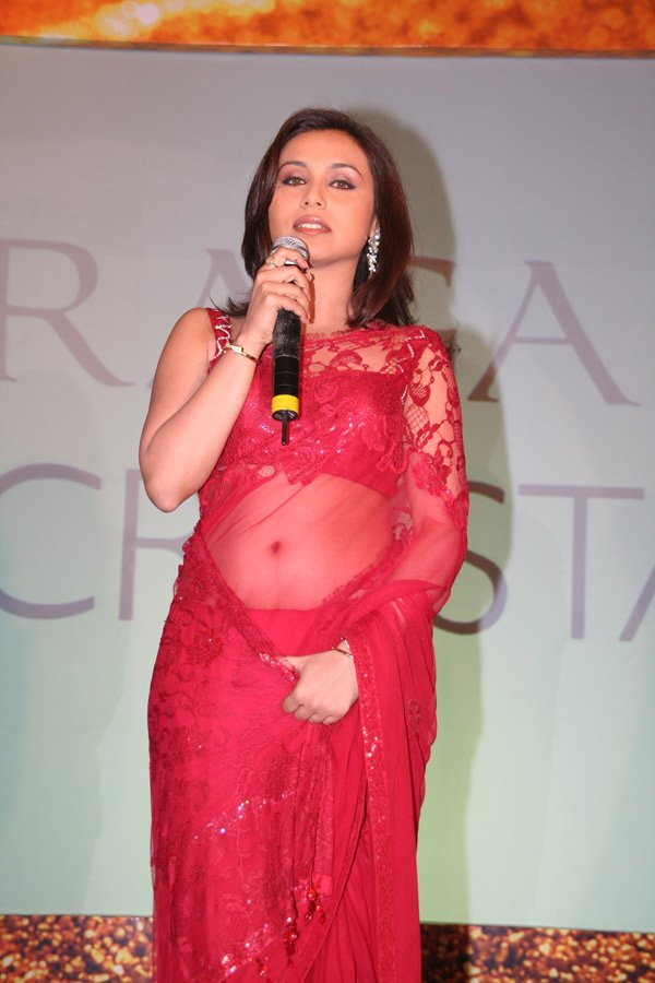 still5 RANI Mukherjee Launchin new Titan Watches In Sizzling Red Saree gallery actresses