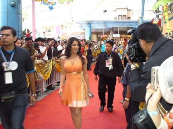 Zee Cine Awards 2007, Sophie Chaudhary