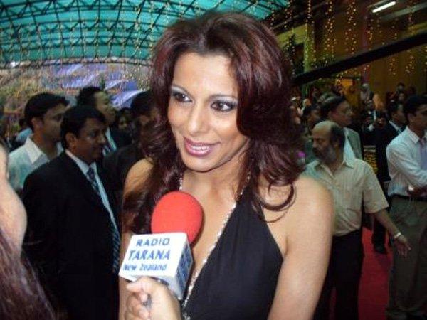 Zee Cine Awards 2007, Pooja Bedi
