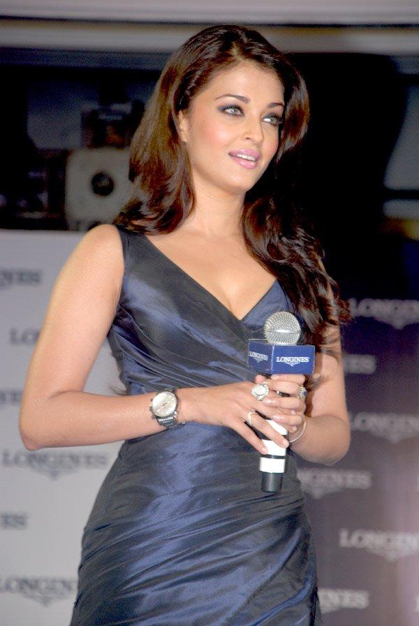 still11 - Aishwarya Rai Bachchan launches Longines Admiral