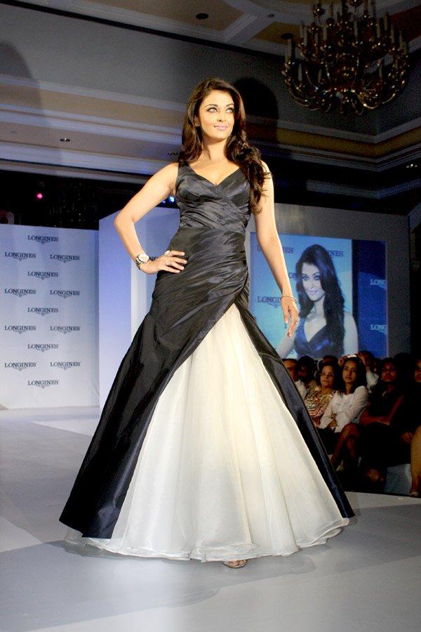 still2 - Aishwarya Rai Bachchan launches Longines Admiral