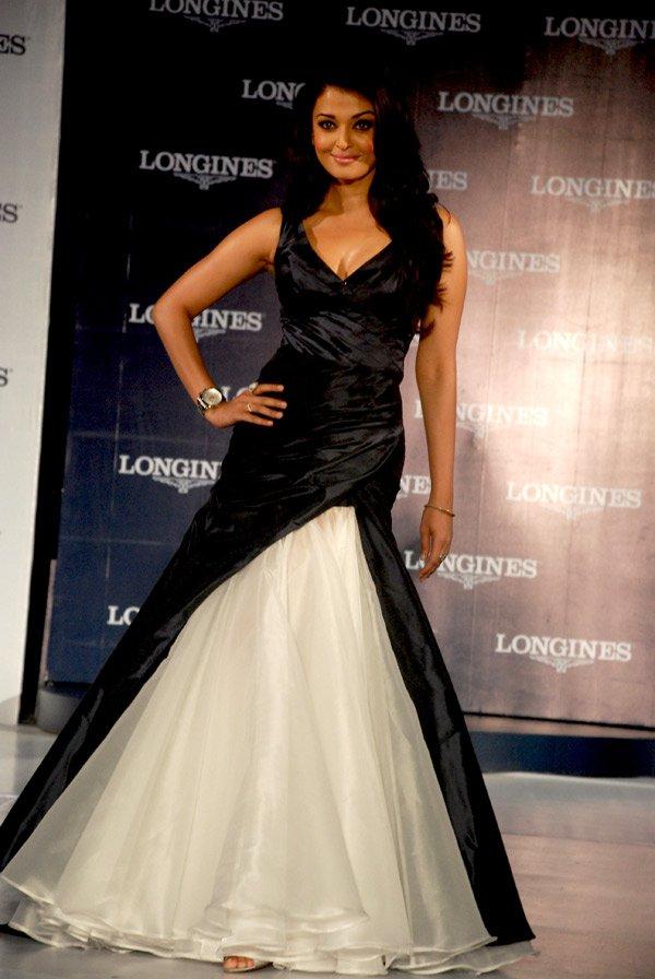 still5 - Aishwarya Rai Bachchan launches Longines Admiral