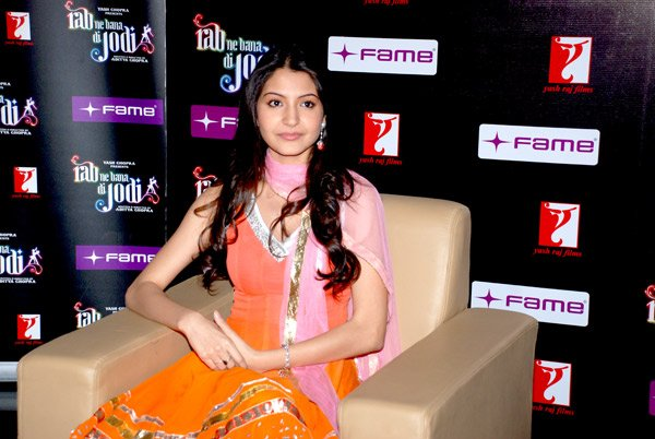 still1 - Anushka Sharma - smiles at Fame Malad