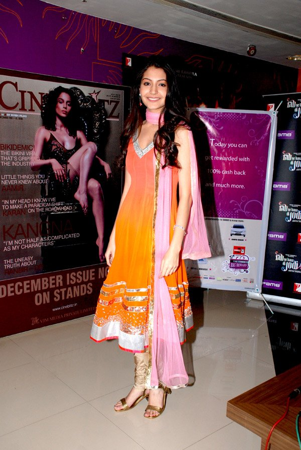 still5 - Anushka Sharma - smiles at Fame Malad