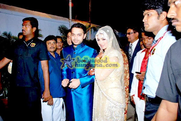 still2 - Ayesha Takia and Farhan Azmi's wedding reception