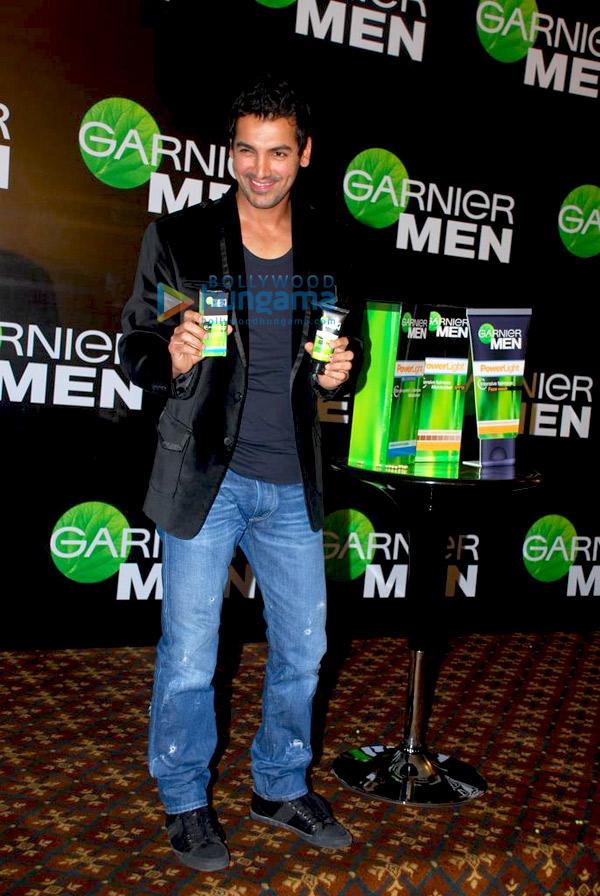 still2 - John Abraham endorses Garnier Men