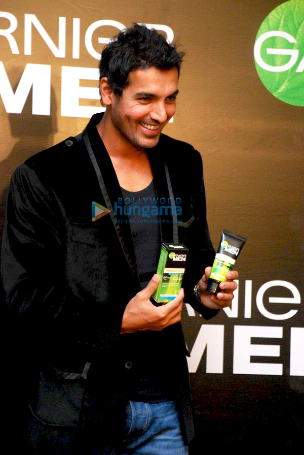 still3 - John Abraham endorses Garnier Men