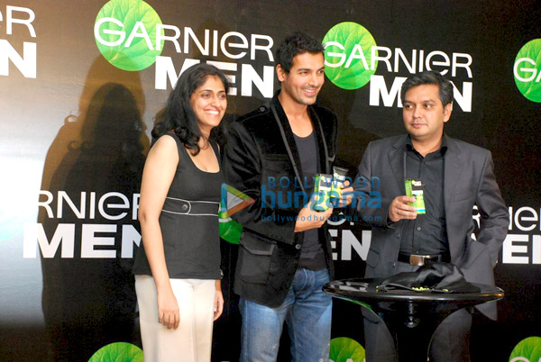 still5 - John Abraham endorses Garnier Men