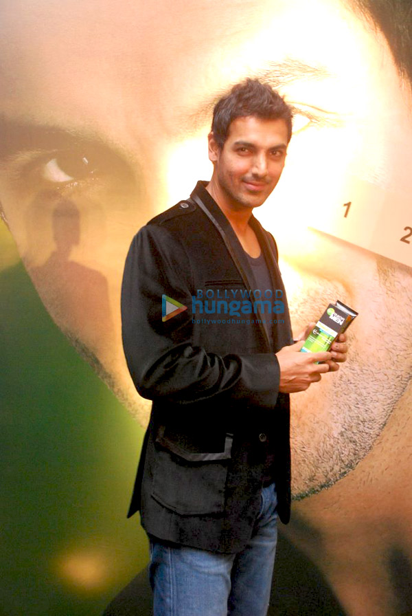 still6 - John Abraham endorses Garnier Men
