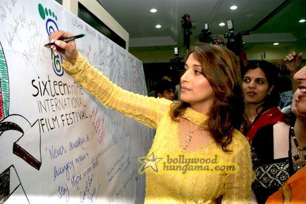 still2 - Madhuri Dixit nd Imran Khan @ college film fe