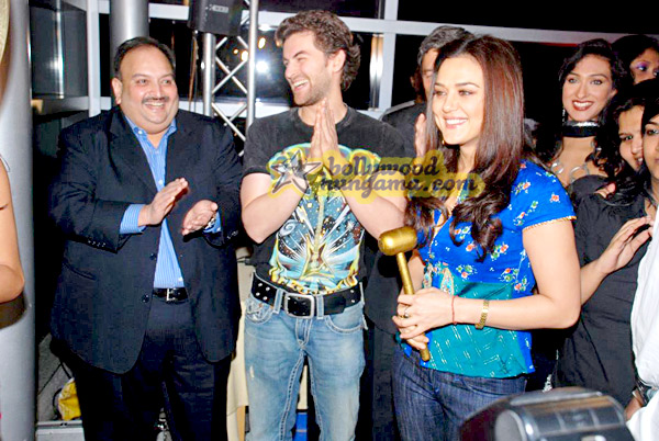 still3 - Preity nd Neil at Gitanjali Luxury Style Fest in