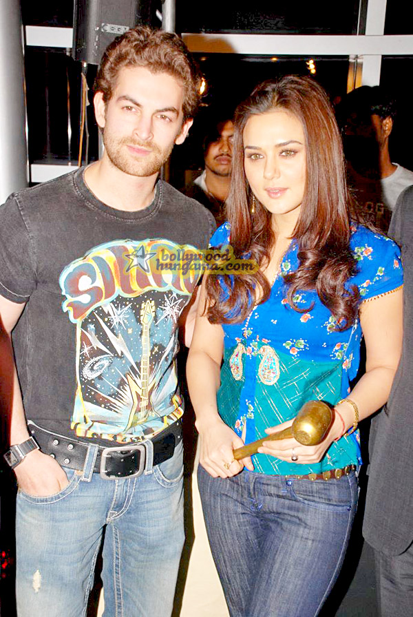 still9 - Preity nd Neil at Gitanjali Luxury Style Fest in