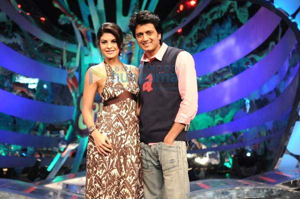 http://i.indiafm.com/memories/09/riteshjacquelinealadincc3/still1.jpg