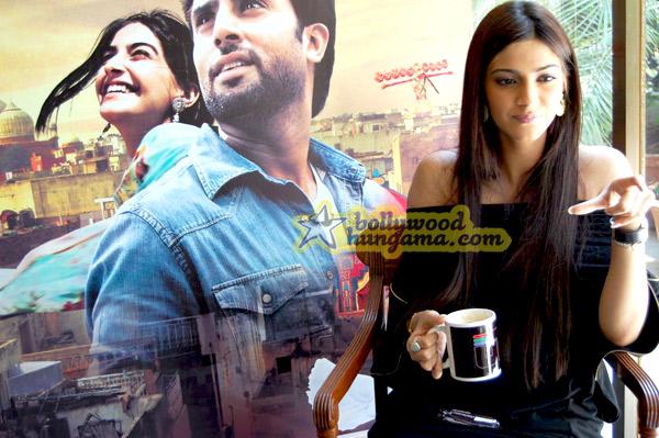 still2 - Sonam Kapoor striking a pose