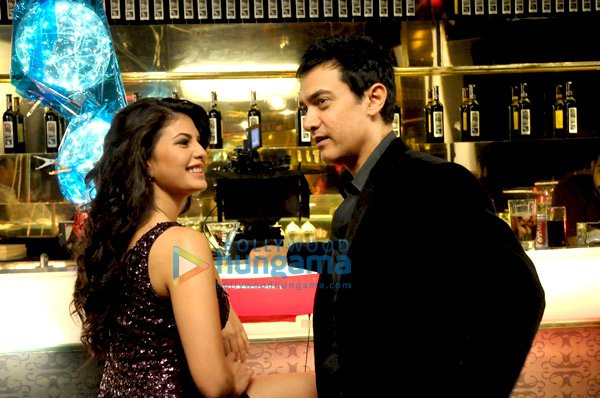 still3 Aamir Khan and Jacqueline Fernandes bollywood gallery