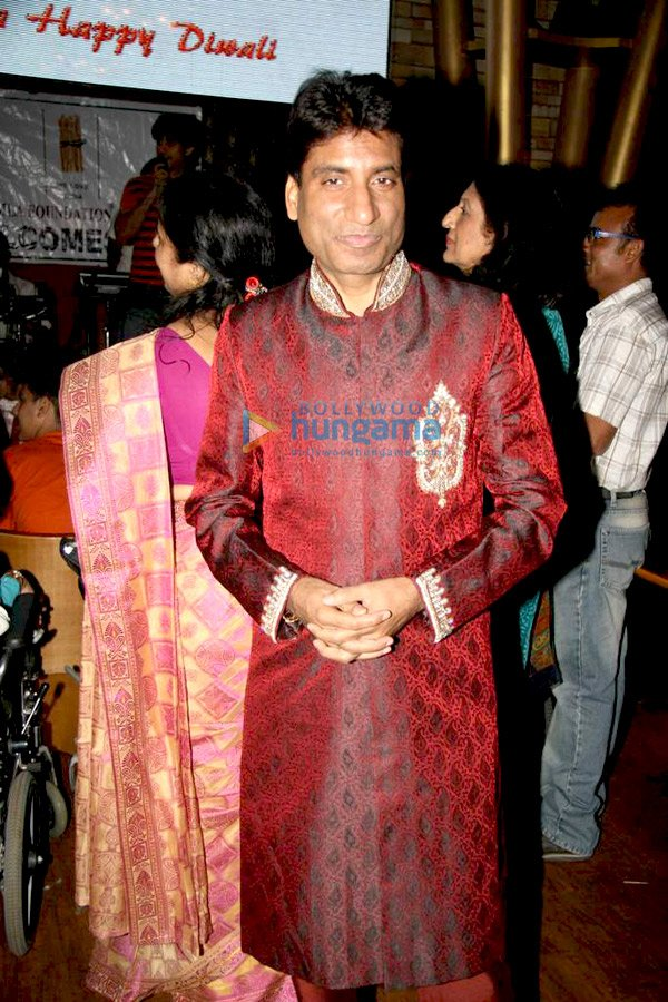 still9 Shaan and Kashmira Shah at Asif Bhamlas Diwali celebrations bollywood gallery