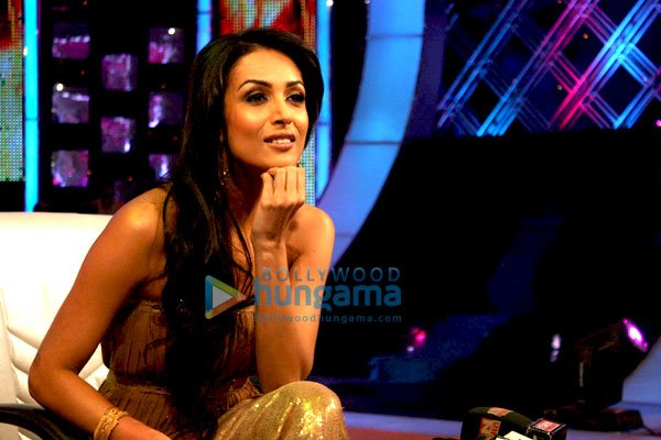still5 Malaika Arora Khan on the sets of Jhalak Dikhlaja bollywood gallery 