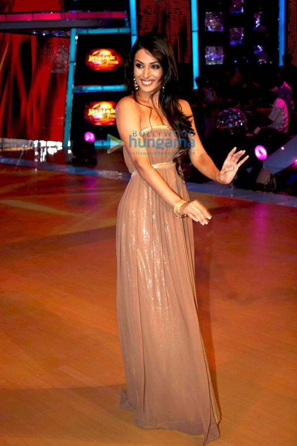 still7 Malaika Arora Khan on the sets of Jhalak Dikhlaja bollywood gallery 