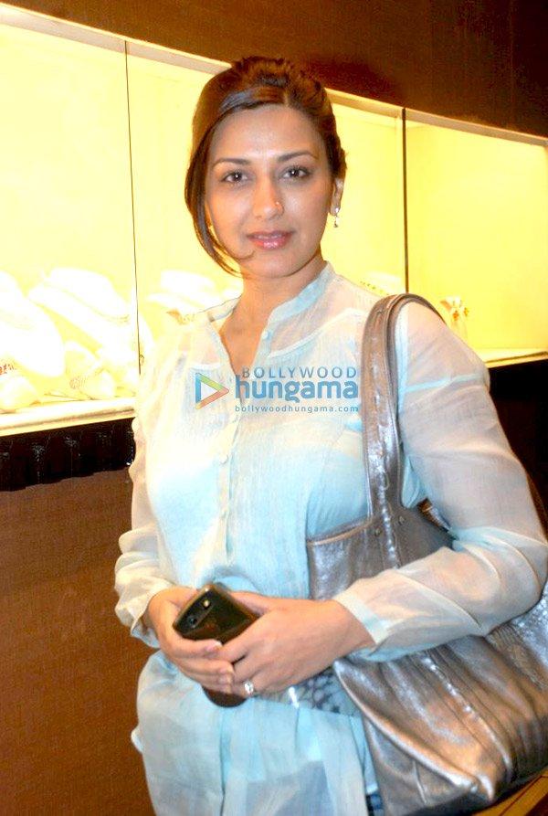 Actress manjari phadnis marathi actress sonalee marathi actress isha