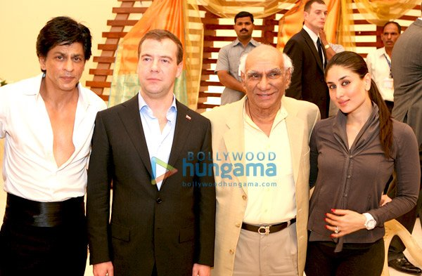 still1 Russian President meets Shahrukh, Kareena and Yash Chopra bollywood gallery