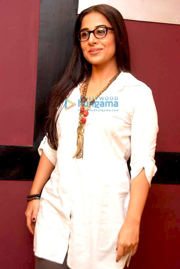 still8 Vidya Balan on the sets of UTV Bindass bollywood gallery
