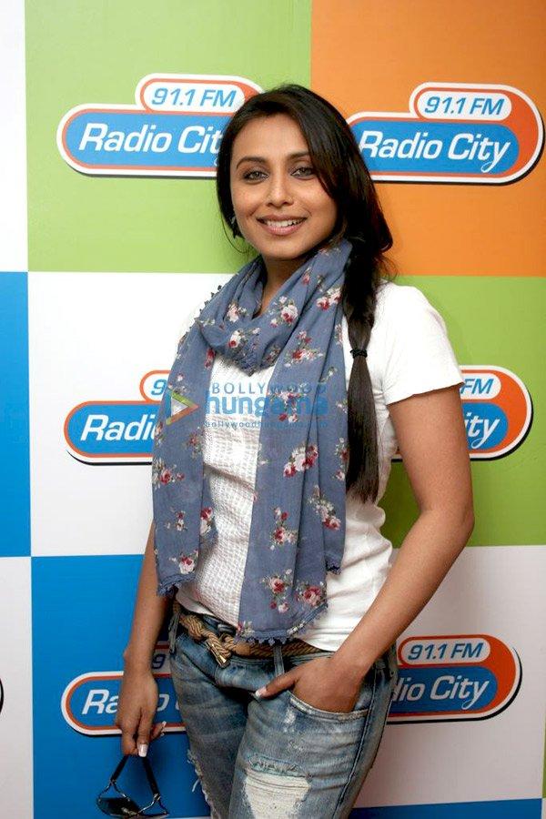 still5 Vidya and Rani promote No One Killed Jessica at Radio City