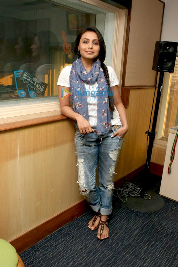 still9 Vidya and Rani promote No One Killed Jessica at Radio City bollywood gallery
