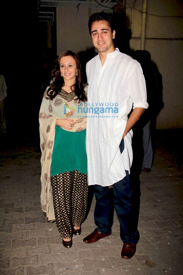 still4 Aamir and Kiran at Imran Avantika Mehndi ceremony bollywood gallery