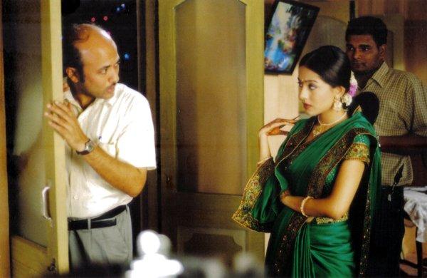 Vivah, Shahid Kapoor, Amrita Rao, Anupam Kher, Alok Nath, Seema Biswas