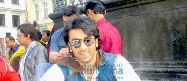 http://i.indiafm.com/onthesets/11/rockstar/still1.jpg